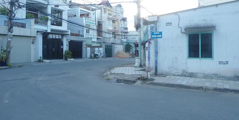 ban-nha-duong-dan-chu-quan-9-1