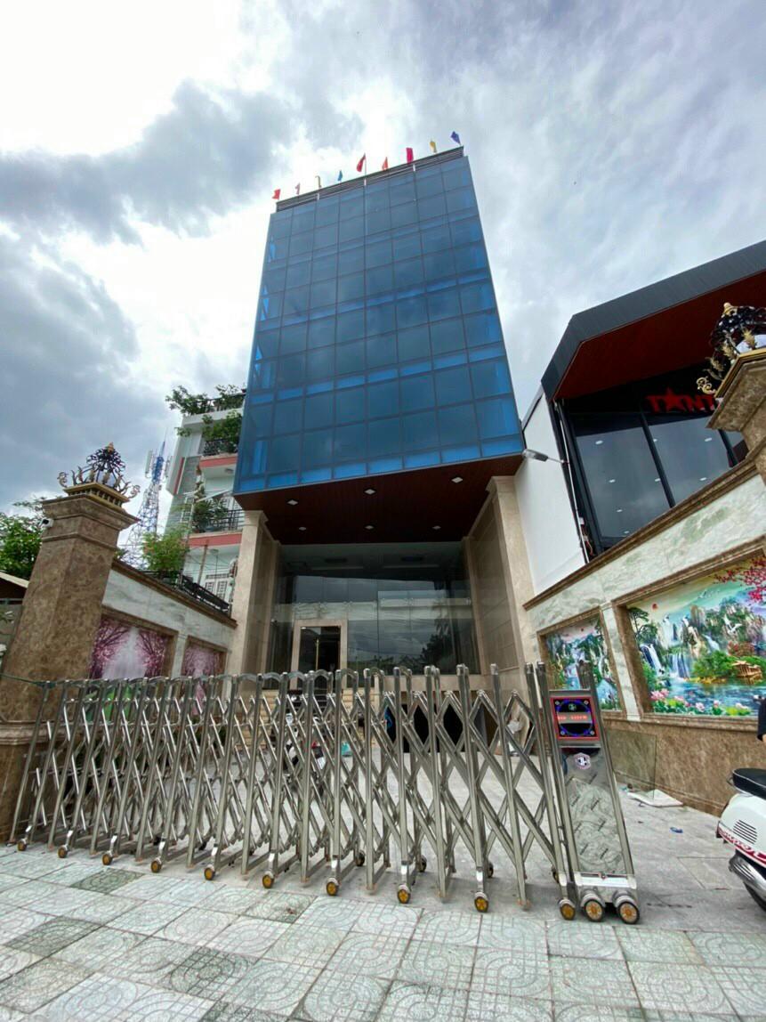 Bán tòa nhà mặt tiền đường Tây Hòa tiện làm văn phòng kinh doanh
